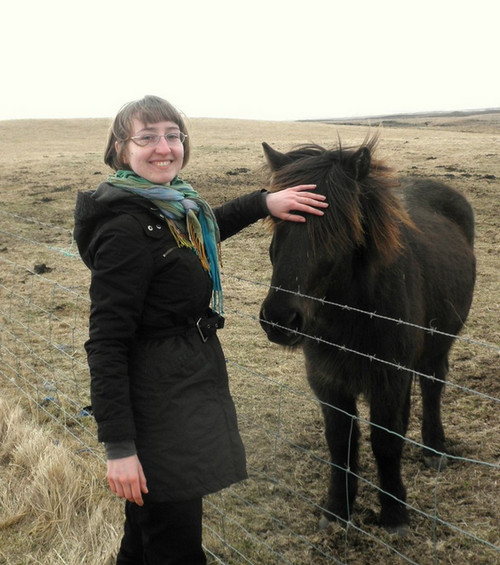 Мария Коношенко с исландским пони